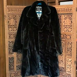 New Badgley Mischka Faux Fur Coat